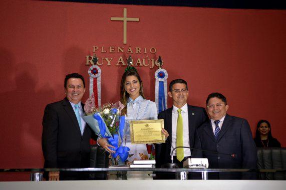 Vivian ficou em segundo lugar no reality, perdendo o grande prêmio para Emilly. Foto: Aleam/Reprodução