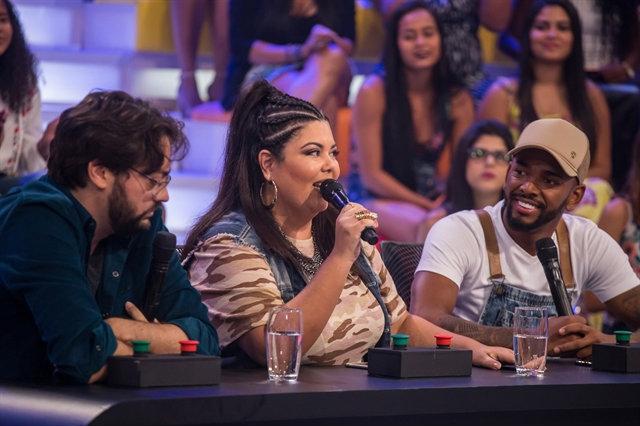 O pretexto da produção do Caldeirão para a presença da atriz no programa foi o quadro Calourão do Huck. Foto: Paulo Belote/Globo