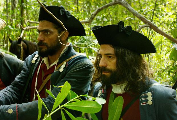 Julio Machado (esquerda) dá vida a um Joaquim cheio de imperfeições. Foto: Rec Produtores/Divulgação
