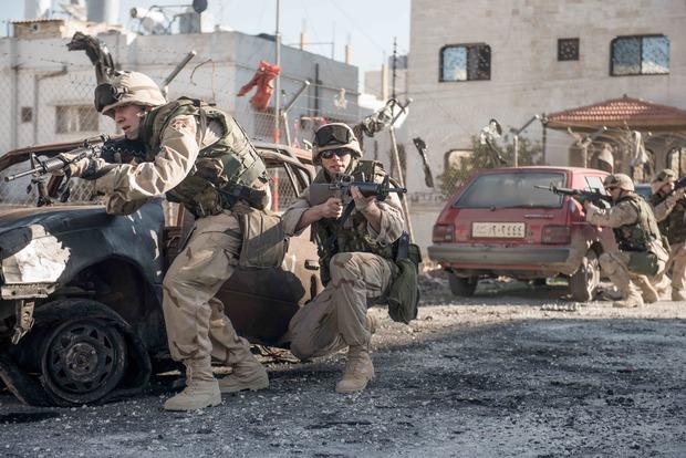 Cineasta enxerga paralelos entre conflito no Iraque situação nas favelas cariocas. Foto: Netflix/Divulgação