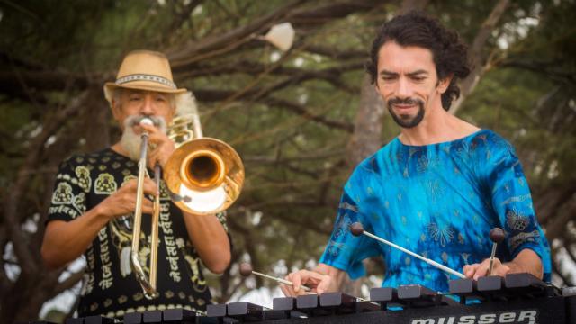 Pernambucano e potiguar passeiam pelos ritmos da tradição popular em show gratuito. Foto: Duo Cabroso/Divulgação