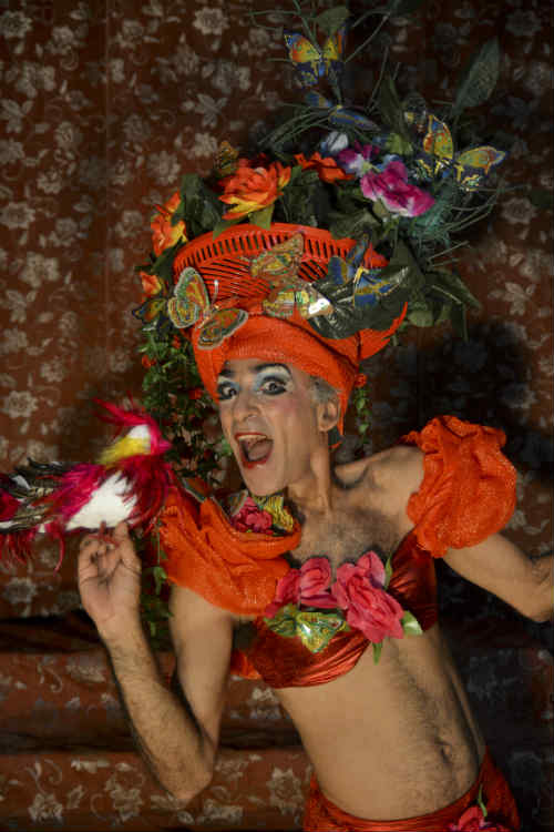 Celibi em ensaio do espetáculo Cabaré Diversiones, em 2015. Crédito: Guilherme Veríssimo/Divulgação
