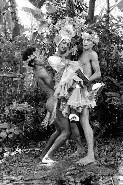 Henrique Celibi, ao centro, na época do Vivencial, ladeado por Américo Barreto (à esq.) e Pernalonga (à dir.). Crédito: Ana Farache/Reprodução