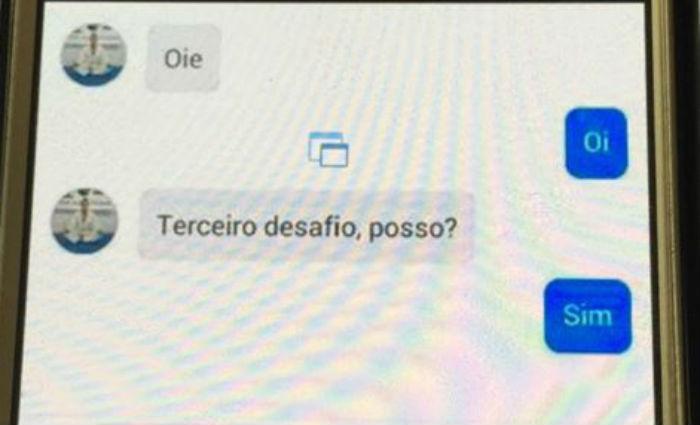 Pelo Messenger, curador já teria pedido para a jovem, de 19 anos, subir em um telhado.Foto: Polícia Civil/ Divulgação
