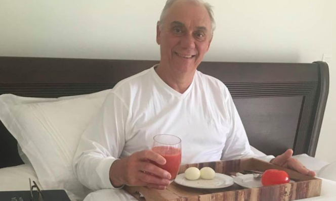 Apresentador foi diagnosticado com câncer no pâncreas, que irradiou para o fígado. Foto: Reproducão/Instagram