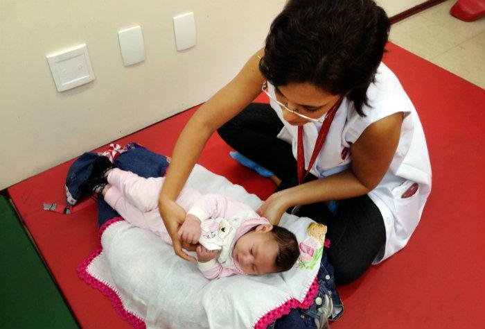 Três entre cada 4 mulheres mães de bebês com microcefalia entrevistadas pelo grupo engravidou na adolescência. Foto: Sumaia Villela/ Agência Brasil