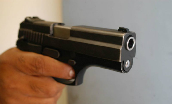Após detê-los, a PM localizou apenas o carregador da pistola usada pelos criminosos. Foto: Ricardo Borba/CB/D.A Press
