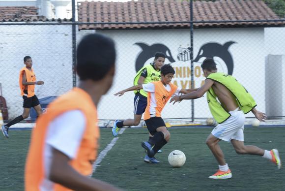 O futebol é o esporte mais praticado no Brasil reunindo quase 16 milhões de pessoas. Foto: Agência Brasil/Reprodução