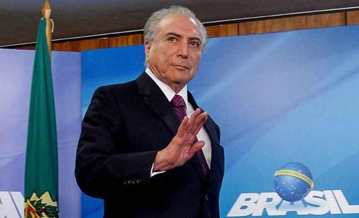 Se o atual presidente renunciar, Maia assumirá, assim como é previsto na Constituição. Foto: Beto Barata/PR