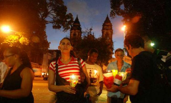Evento CandleLight na Praça do Diario em prol do combate a AIDS em 2011.Foto:  Marcelo Soares /Esp. DP