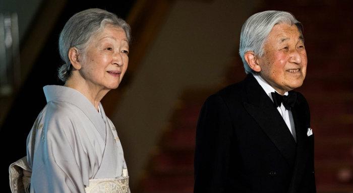 Mas a lei que rege a Casa Imperial não permite ao imperador do Japão abandonar o trono em vida. Foto: Behrous Mehri/AFP