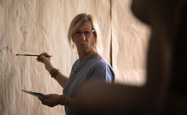 No documentário, Laerte aborda questões sobre 'o que é ser mulher'. Foto: Netflix/Divulgação