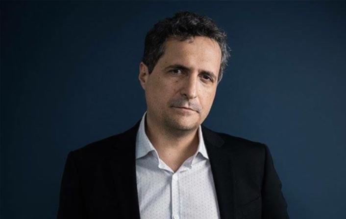 """O cineasta brasileiro chamou a atenção da mídia mundial quando denunciou um """"golpe de Estado"""" no tapete vermelho de Cannes, ano passado. Foto: Aurélie Lamachère/Instagram/Reprodução"""
