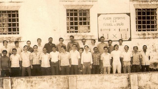 Extinta Casa de Detenção do Recife, com os presospolíticos que ficaram recolhidos lá até 1973. Foto: Cárcere da Memória/Divulgação