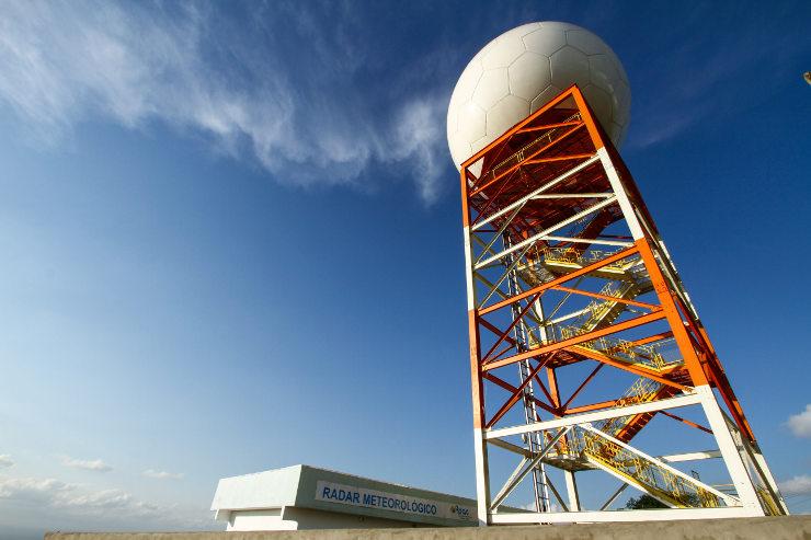 Radar meteorológico tem capacidade de captar chuvas a até 400km e determina densidade e presença de granizo dentro de 250km. Foto: Rafael Martins/DP (Rafael Martins/DP)