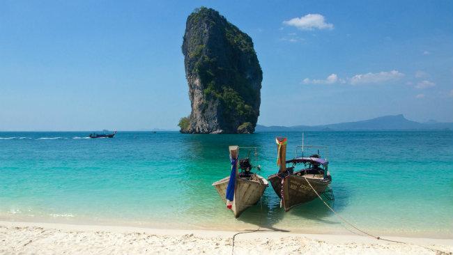 Praia de Ao Nang: Krabi é uma das portas de entrada para que busca visitar as mais de 130 ilhas do Sul da Tailândia