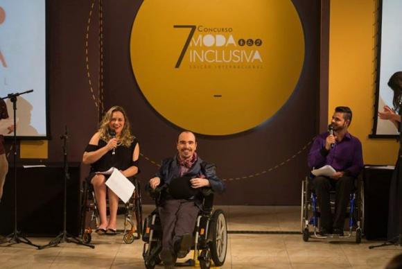 Para ele, a moda inclusiva está diretamente relacionada à independência. Foto: Paulo Lima/Divulgação/Governo do Estado de São Paulo