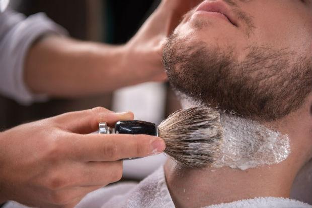 Espaço lança sistema de pacote para o noivo e seus convidados se arrumarem para o Dia D Foto: Barbearia Brasil/Divulgação