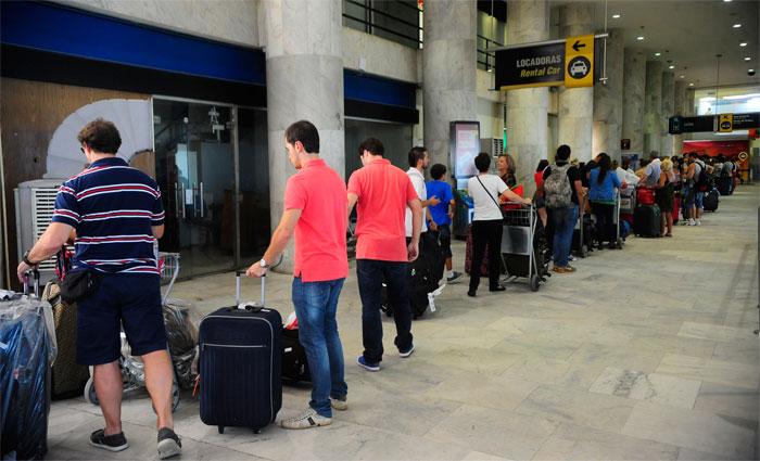 Entre junho e julho, Gol e Latam passarão a cobrar pelo despacho de malas. Foto: Fernando Frazão/Agência Brasil