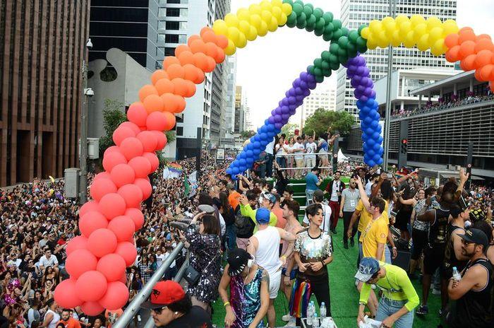 Avenida Paulista foi tomada por milhares de pessoas na 21ª Parada do Orgulho LGBT -  Foto: Rovena Rosa - Agência Brasil (Avenida Paulista foi tomada por milhares de pessoas na 21ª Parada do Orgulho LGBT -  Foto: Rovena Rosa - Agência Brasil)