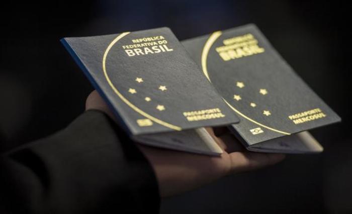 Para a entrada em alguns países, o passaporte é dispensável. Foto: Marcelo Camargo/Agência Brasil