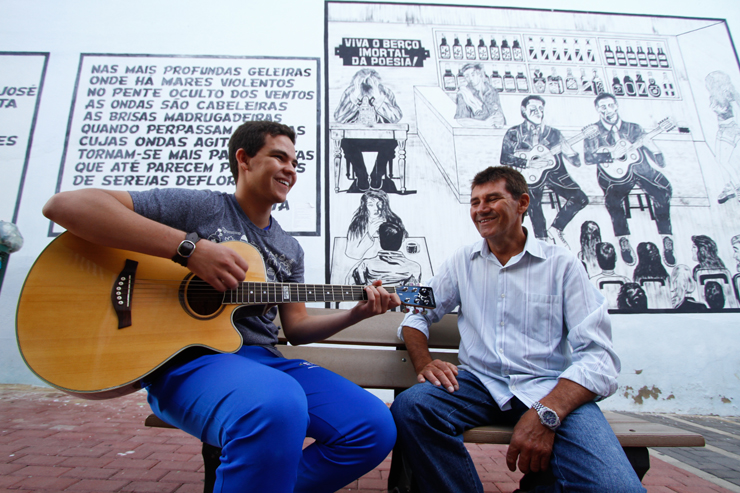 Heleno, pai de Everson, enaltece o orgulho que sente do filho e não tem palavras para agradecer a oportunidade que o programa proporcionou. Foto: Rafael Martins/DP