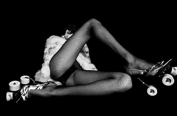 Fernanda figurou a polêmica campanha de outono da Yves Saint Laurent, que se tornou alvo de ativistas na França. Foto: Yves Saint Laurent/Divulgação