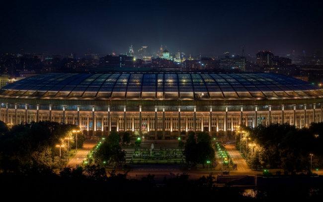 Palco da abertura, final e mais cinco jogos do Mundial, Estádio Lujniki (no Centro de Moscou) tem capacidade para 81 mil torcedores. Fotos: RussiaTourism.com/Reprodução