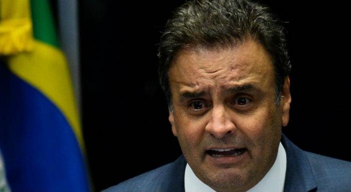 Em conversas reservadas, deputados dizem que a presença de Aécio como presidente licenciado traz todos os holofotes para o PSDB. Foto: Andressa Anholete/AFP
