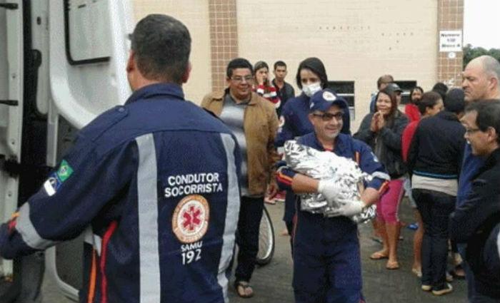 Mãe e bebê de 20 dias foram resgatadas. Dois homens continuam desaparecidos. Foto: Reprodução/ WhatsApp