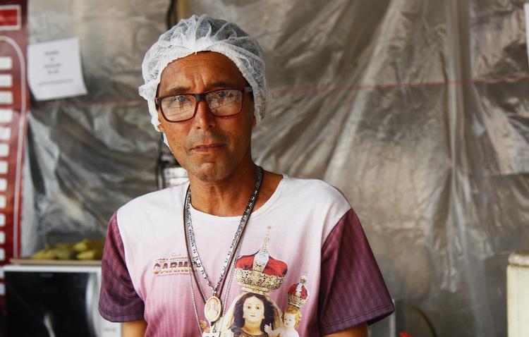 Antônio Carlos é voluntário desde 2016 e destaca o importante trabalho nos dias de comemoração de Nossa Senhora do Carmo (Shilton / Esp. DP)