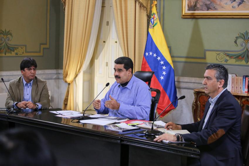A chamada comissão de fiadores do plebiscito opositor informou antes, com base em 95% do total de votos, que 7.186.170 de venezuelanos participaram da consulta. Foto: Francisco Batista/Presidencia de Venezuela