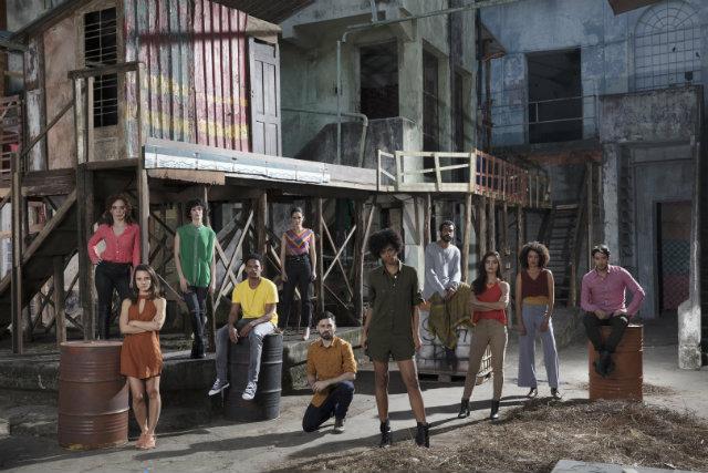 Netflix divulgou a primeira imagem com os novos atores da trama. Foto: Netflix/Divulgação