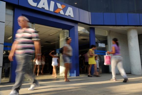 Entre as reclamações mais frequentes estão a oferta ou prestação de informação a respeito de produtos. Foto: Arquivo/Agência Brasil