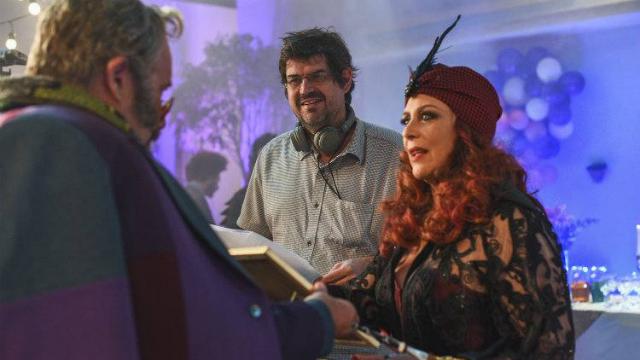 Tamara Taxman em cena no longa ao lado do ator Otávio Muller e do diretor André Pellenz. Foto: Daniel Chiacos/Divulgação