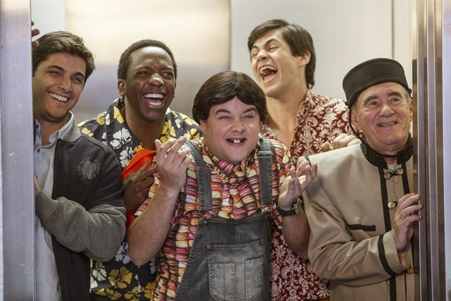 Dedeco (Bruno Gissoni), Mussa (Mumuzinho),Zaca (Gui Santana), Didico (Lucas Veloso) e. por último, Didi (Renato Aragão). Foto: Globo/Divulgação