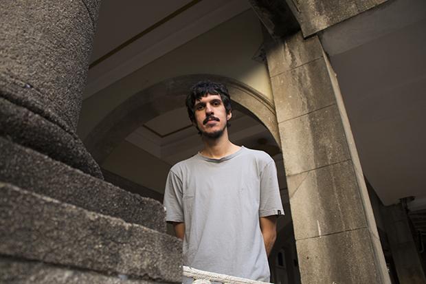 Apesar do conteúdo, artista diz que novo trabalho não tem teor político. Foto: Kamila Ataíde/Divulgação