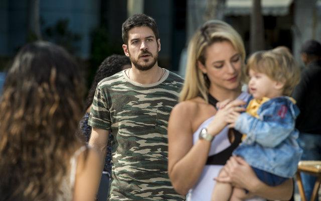 Zeca (Marco Pigossi), Ritinha (Isis Valverde), Ruyzinho e Jeiza (Paolla Oliveira), de A Força do Querer. Foto: Globo/Divulgação