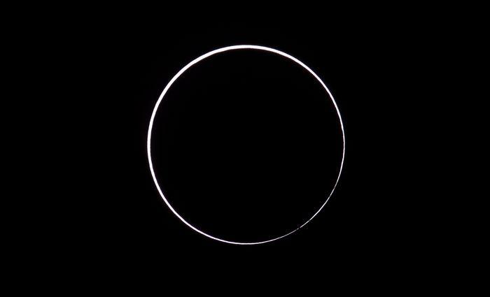 Eclipse solar em Sarmiento, Argentina (26/2) (Alejandro Pagni)