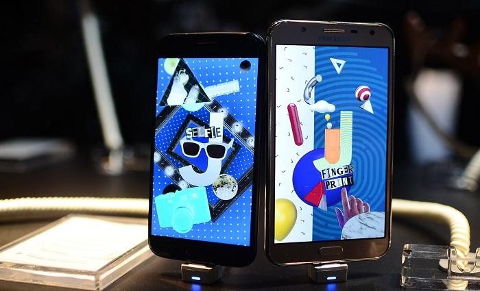 J5 Pro ao lado do J7 Neo: novas apostas da Samsung. Foto: Marcela Cintra/DP.