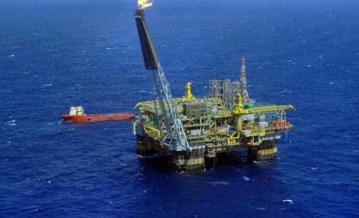 A constante expansão da produção dos EUA e o fracasso de alguns membros da Opep de cumprir suas cotas têm mantido as cotações do petróleo. Foto:  Stéferson Faria/Ag. Petrobras