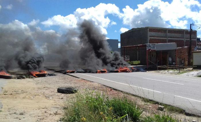 Protesto por segurança interdita a BR-101 em Goiana. Foto: PRF/ Divulgação