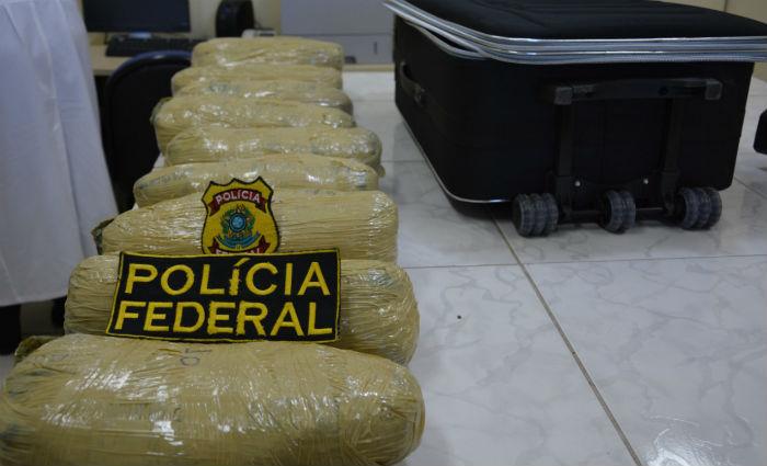 PRF prende dois suspeitos com 10 Kg de maconha. Foto: PF/ Divulgaçãor