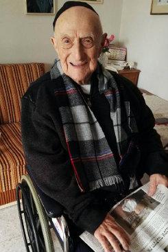 O Guinness o reconheceu como o homem mais velho do mundo em março de 2016. Foto: Shula Kopershtouk