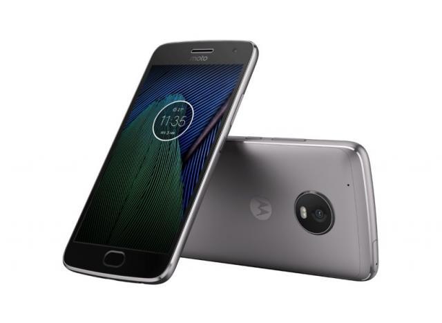 A tela do Moto G5 Plus é fabricada com a tecnologia IPS LCD, tem resolução Full HD e densidade de pixels aproximada de 424 ppi - Foto: Divulgação/Samsung
