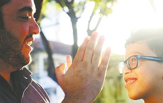 Para aprender a lidar melhor com Thales, João conta que troca informações com outros pais com histórias semelhantes. Foto: Gabriel Melo/DP. (Para aprender a lidar melhor com Thales, João conta que troca informações com outros pais com histórias semelhantes. Foto: Gabriel Melo/DP.)