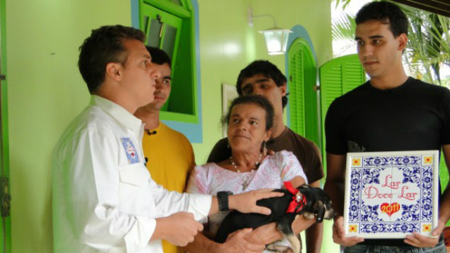 O quadro Lar do lar realiza reformas em casas de espectadores do Caldeirão do Huck. Foto: Globo/Reprodução