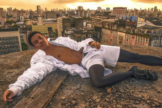 """%u201D Minha ideia era fazer uma coleção leve, com uma cara super urbana, mas que tivesse um toque de elegância e noite"""", detalha Cris. Foto: Cris Moura/Divulgação"""