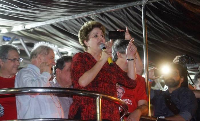 Dilma agradeceu, em nome de Silvio Costa, aos deputados que votaram contra seu impeachment em Pernambuco. Ela disse que nunca imaginou que o país ia viver um segundo golpe. Foto: Ricardo Fernandes/DP