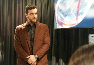 Durante o lançamento de Impression, em São José dos Pinhais, o ator concedeu entrevista sobre os desafios da carreira e a importância de erros para o amadurecimento pessoal. Foto: Larissa Lins/DP